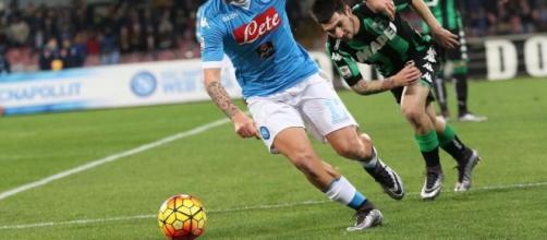 Serie A: Napoli-Sassuolo 3-1, gli azzurri staccano l'Inter ... - mediaset.it