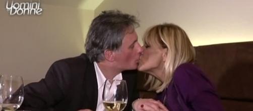 Uomini e Donne Over: il bacio tra i due