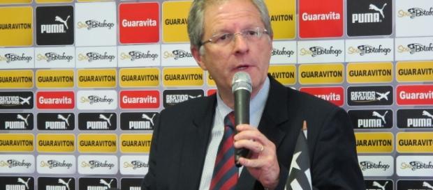Carlos Eduardo Pereira, presidente do Botafogo, quer ajuda também às famílias das vítimas