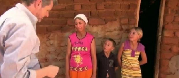 Dona Luiza é agricultora e sonha em ter energia elétrica em casa (Foto: TV Globo)