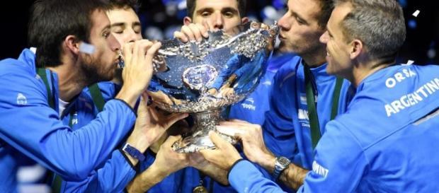 El sueño: Argentina la toca y la besa