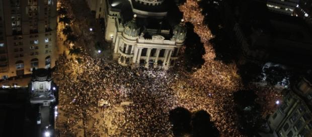 Foto de uma das manifestações que tomaram o Brasil em junho de 2013
