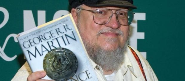 George R. R. Martin dará prioridade ao seu livro nos próximos meses