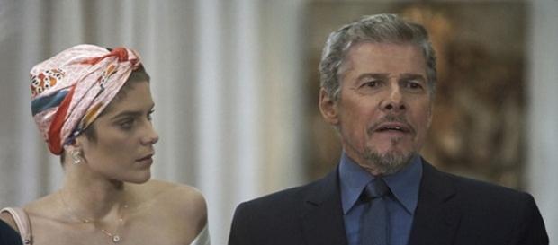Letícia se decepciona com Tião em 'A Lei do Amor'