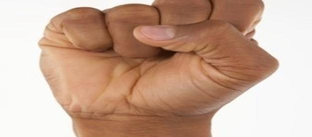 Nossa personalidade está ligada à forma com que fechamos a nossa mão