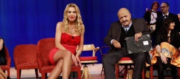 Valeria Marini è stata ospite del Maurizio Costanzo Show