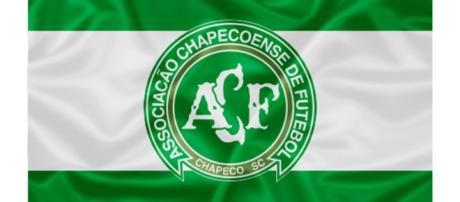 Bandeira da Chapecoense. Avião de time caiu