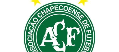 Acidente com a Chapecoense comoveu o mundo (Foto: Patheos)
