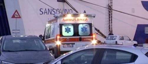 Ambulanca presso la nave Sansolino