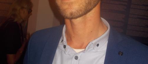 le curateur, artiste, Dj, enseignant et photographe Adrien Thévoz