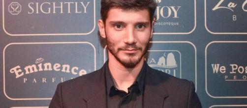 Stefano De Martino paparazzato con la nuova fidanzata