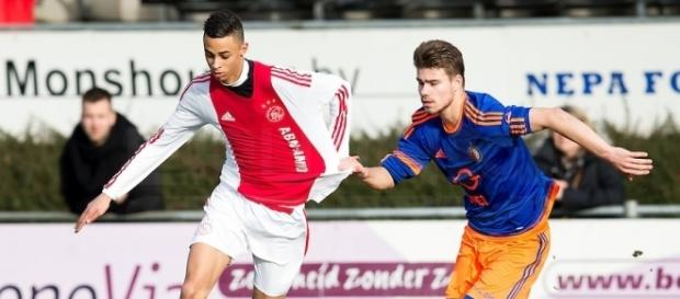 Manchester United land Teenage Dutch attacker – Nigeria's Online ... - soccerblitz.net