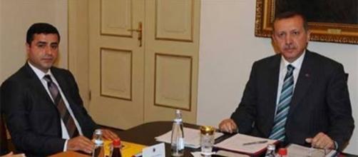 Erdogan e Demirtas in un incontro durante le elezioni