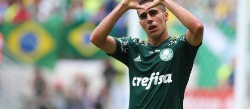 Gabriel Girotto tem 24 anos e pode ser o novo reforço do Timão