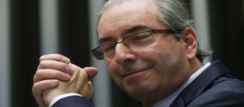 Sem delongas, Eduardo Cunha quer Lula e Temer juntos em sua defesa.