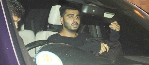 SPOTTED: Arjun Kapoor outside Malaika Arora Khan's house. | Lehren.com - lehren.com