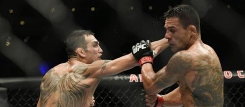 Tony Ferguson and Rafael dos Anjos fight in Mexico City (http://cagepages.com/2016/11/06/ufc-mexico-tony-ferguson-rafael-dos-anjos-among-50k-winners/