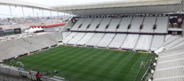 Arena Corinthians é alvo de polêmica por parte da imprensa