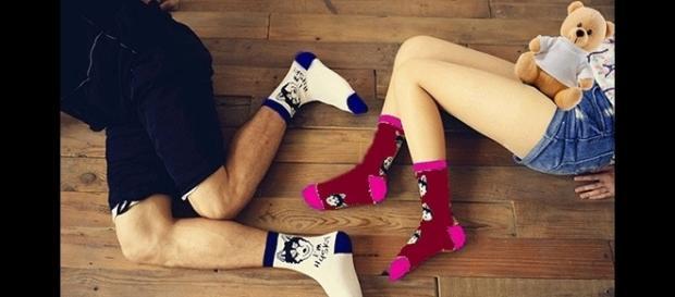 La diferencia entre las personas que duermen con calcetines y las que no.