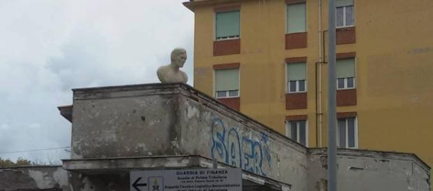 Roma, riproduzione di Pasolini a Ostia