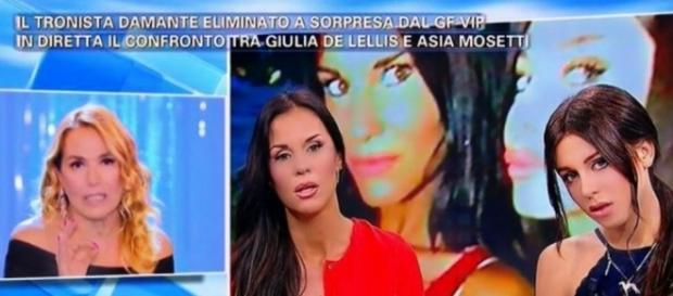 Scoop: #AsiaNuccetelli si difende da #BarbaraDurso sui social, dopo la messa in onda di '#Pomeriggio5'. #BlastingNews