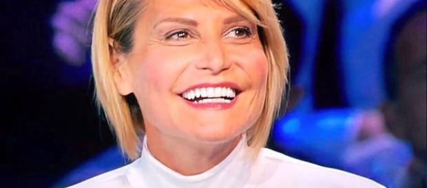 Simona Ventura ospite di Tu Si que Vales e de L'intervista da Maurizio Costanzo