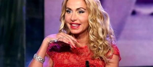 """Valeria Marini è stata attaccata da Stefano Bettarini e Laura Freddi al """"Grande Fratello Vip"""""""