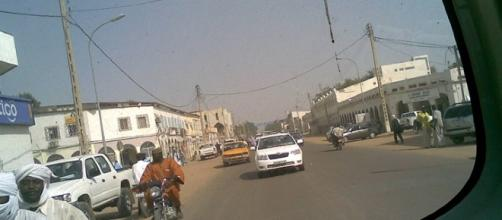 Avenue Charles-de-Gaulle, N'Djamena / Photo by Afcone, Flickr - https://www.flickr.com/photos/afcone/3184751451