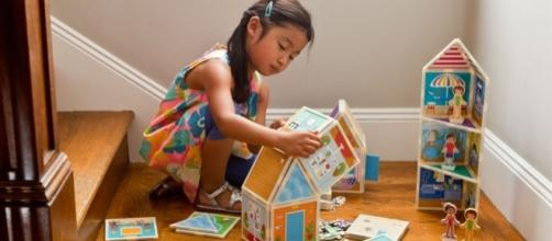 Build & Imagine are toys aimed at girls. / Photo via Laurie Peterson, Build & imagine. Used with permission.