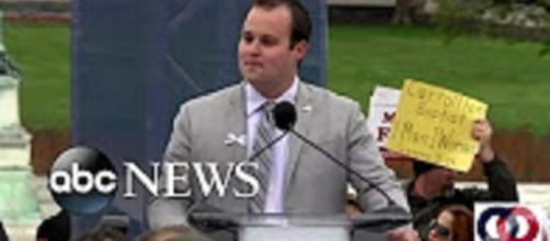 "Source: Youtube ABC News Josh Duggar reunites with ""Counting On"" family"