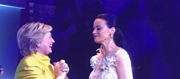 Hillary Clinton and Katy Peery at the UNICEF snowflake gala in NYC - Photo via Twitter