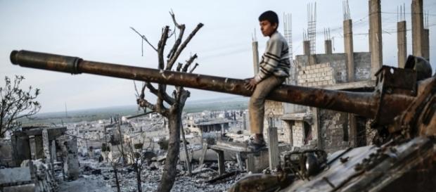 Las causas de la guerra se relacionan las más de las veces con la lucha por el poder económico y político de grupos enfrentados.