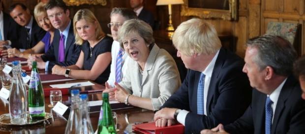Planul de măsuri post- Brexit al Regatului Unit include introducerea permiselor de muncă pentru cetățenii UE