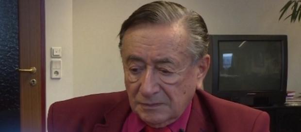 Richard Lugner (84) will Cathy nicht verletzten / Foto: Oe24 Screenshot