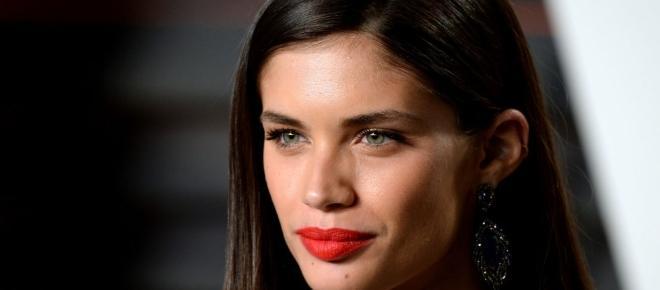 Victoria's Secret: 'Anjos' desfilam sensualidade em Paris