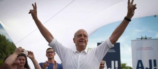 Alain Juppe pitches 'united France' in presidential bid launch as ... - scmp.com