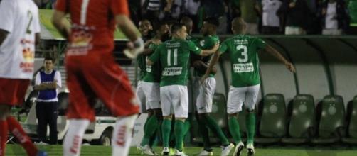 Enquanto o Guarani decide a Série C em Varginha, a Ponte pega o Santos em Campinas