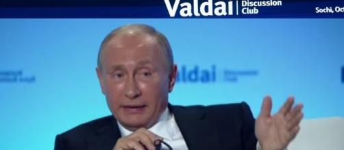 Putin risponde alle domande dei giornalisti al tredicesimo Valdai Discussion Club in Sochi
