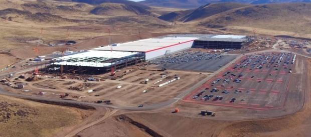 Tesla Gigafactory Youtube, Duncan Sinfield channel