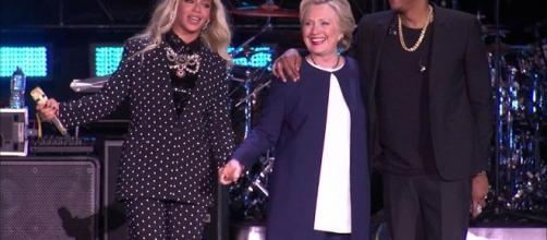 Beyonce, Jay Z Join Hillary Clinton on Stage at Cleveland Rally ... - nbcnews.com