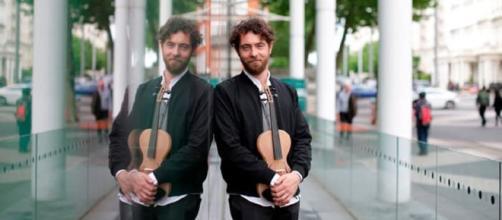 Luca Alessandrini: Inventore del violino in seta e vincitore di 10 sterline