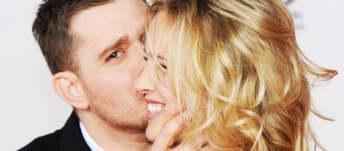 Michael Buble e sua moglie in foto