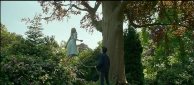 """Capture d'écran de la bande-annonce du film """"Miss Peregrine et les Enfants Particuliers"""""""