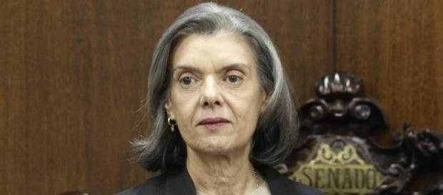 Cármen Lúcia cancela sua participação em evento de juízes, na Bahia