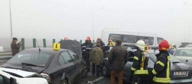 Carnagiu pe A2, trei morţi şi zeci de răniţi - Foto: facebook DSU