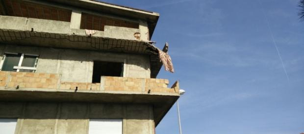 Reggio Calabria, anziana schiacciata da un balcone