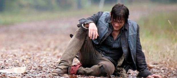 Daryl is a broken man as Negan aims to break him some more. Photo: Blasting News Library - blogspot.com