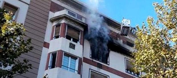 Incêndio deflagrou com intensidade no quinto andar de um prédio com sete pisos
