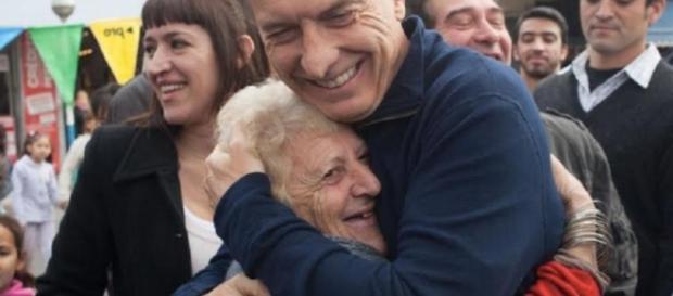 Macri y otra incumplida con los jubilados, precariza los servicios del Pami