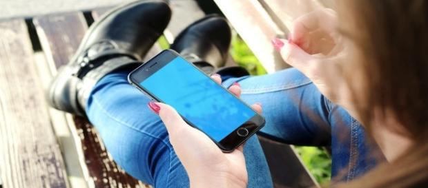 Nomofobia é o medo de ficar sem celular. Saiba mais.